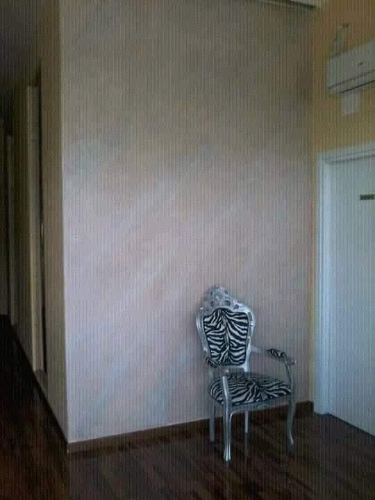 parete-decorata-con-stucco-a-calce-effetto-pietra-spaccata2